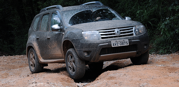 renault duster 4x4 surpreende com boa performance off road. Black Bedroom Furniture Sets. Home Design Ideas