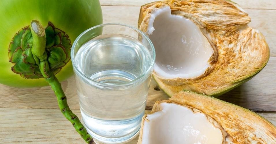 Resultado de imagem para agua de coco