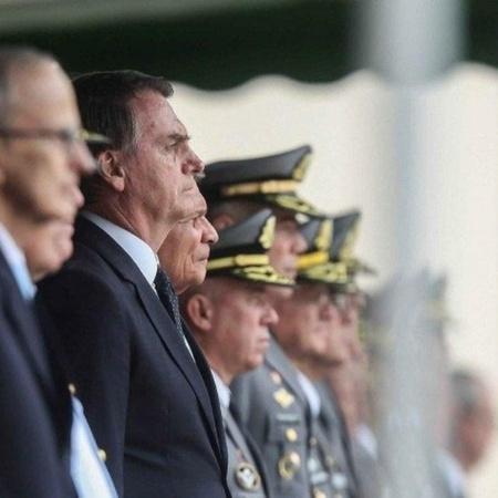 Presidente Jair Bolsonaro em solenidade com militares - Equipe de transição/Rafael Carvalho