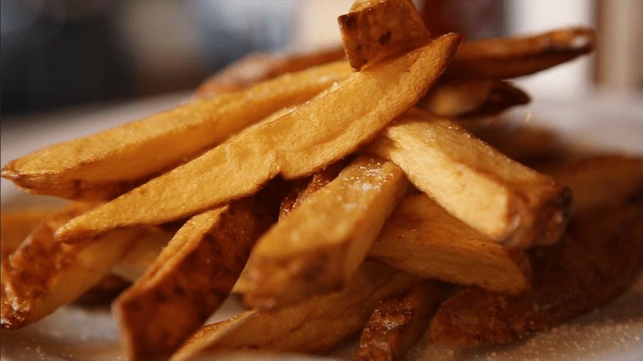 Se frita em azeite extra virgem, a batatinha tem mais antioxidantes do que a versão cozida - Reprodução/TV UOL