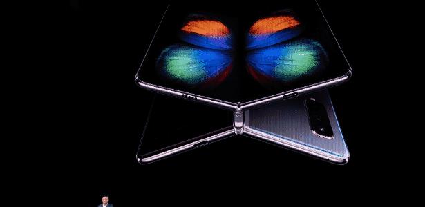 Samsung revolucionou os smartphones ao apresentar seu celular dobrável - Josh Edelson / AFP