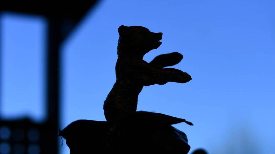 Silhueta do urso que é símbolo do Festival de Berlim, em foto de 2020 - Annegret Hilse/Reuters