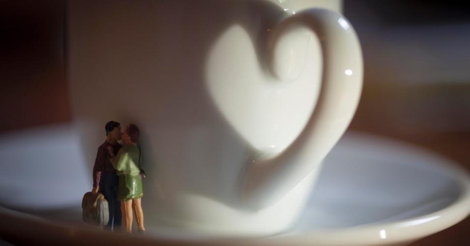As xícaras de café do empório da Casa Carandaí, no Jardim Botânico, no Rio de Janeiro, também inspiraram o fotógrafo a criar mais uma cena