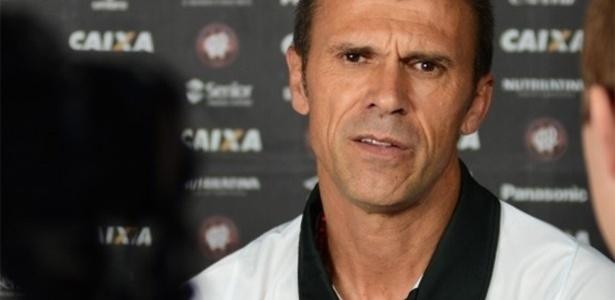 Milton Mendes levou bronca de Galvão Bueno ao diminuir o Atlético