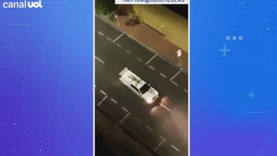 Em ataque a bancos em Araçatuba (SP), reféns eram colocados no teto dos carros - Reprodução/Twitter