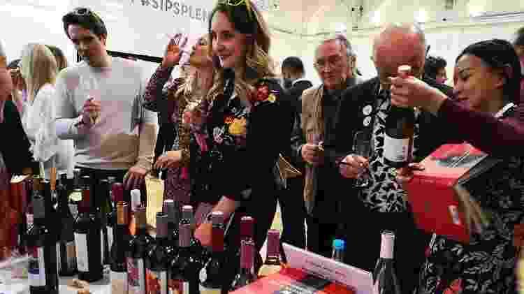 Feira de vinhos chineses, em Londres - Reprodução/Instagram/@winesofchina