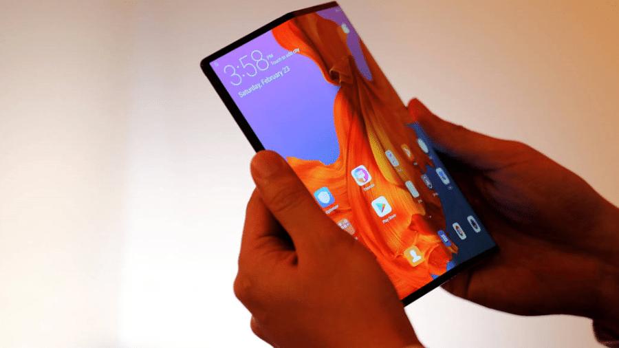 Segunda maior fabricante de smartphones do mundo, Huawei lança celular dobrável por US$ 2.600 - Sergio Perez/Reuters