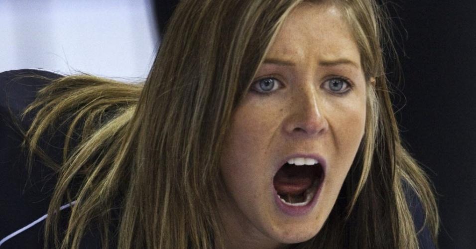 A escocesa Eve Muirhead durante jogo contra a Rússia pelo Mundial de curling