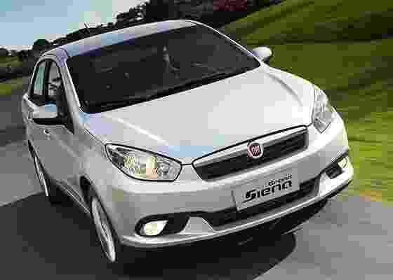 Fiat Grand Siena: carro cresceu notáveis 13,7 centímetros, mas antes era <b>bem</b> pequeno...  - Divulgação