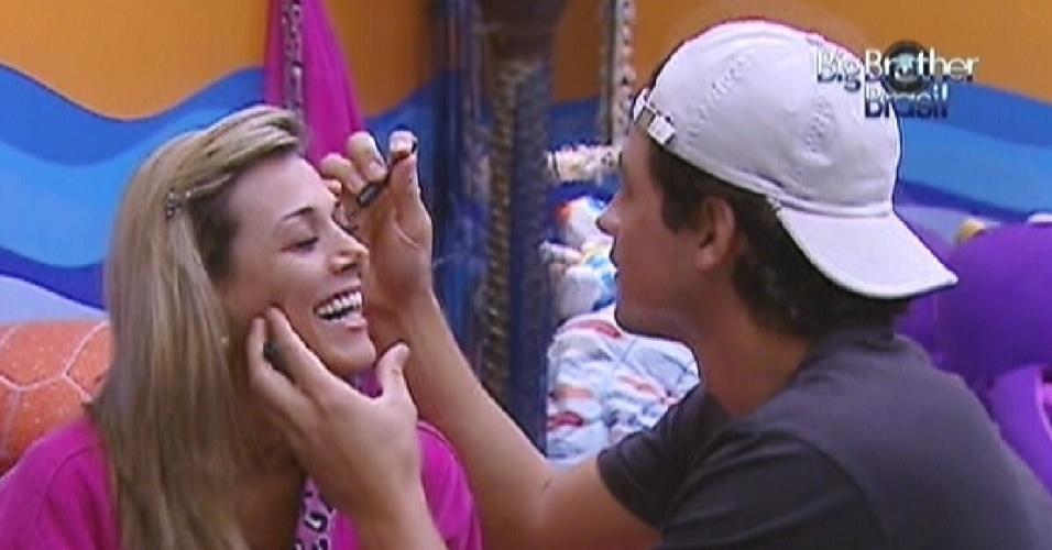 Após discussão, Fael diz para Fabiana melhorar a cara e passa maquiagem na sister (23/3/12)