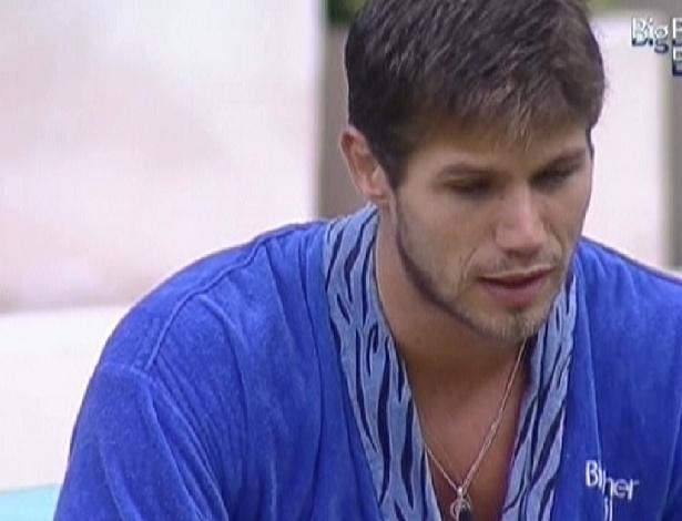 Jonas reclama de Fabiana com Fael (23/3/12)