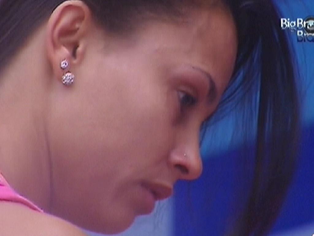 Kelly chora durante conversa com Fabiana (23/3/12)