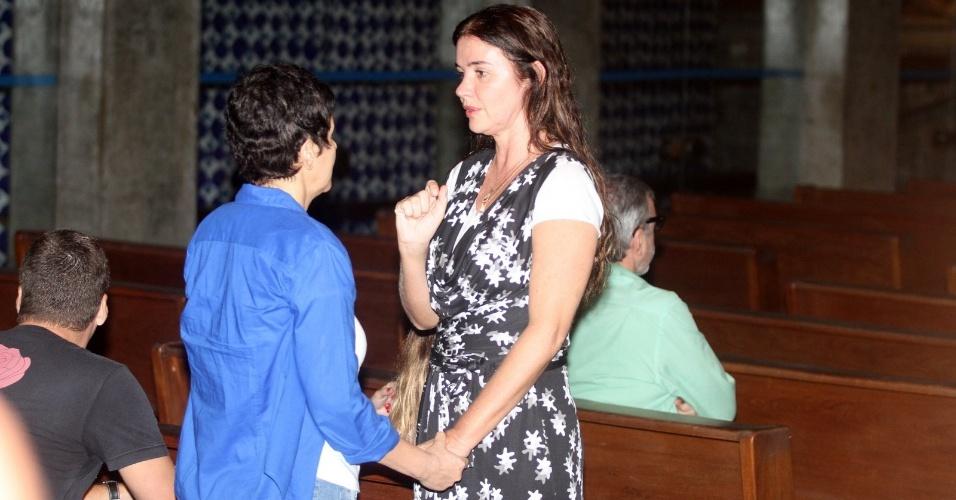 Luma de Oliveira participa da missa de 7º dia para Wanderson Pereira dos Santos na Igreja da Ressurreição, no Rio de Janeiro. Wanderson foi atropelado por seu filho, Thor Batista (23/3/2012)