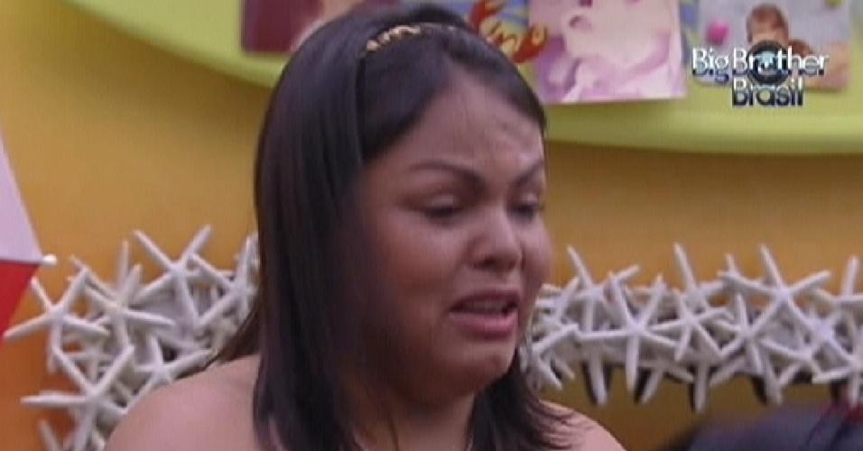"""Analice foi a primeira participante a deixar a casa do """"BBB12"""" (14/1/12)"""