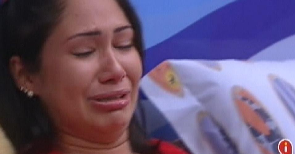 Jakeline chorou algumas vezes de saudade de seu travesseiro e de seu galo (21/1/12)