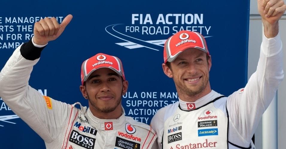 Lewis Hamilton e Jenson Button comemoram dobradinha no treino de classificação para o GP da Malásia