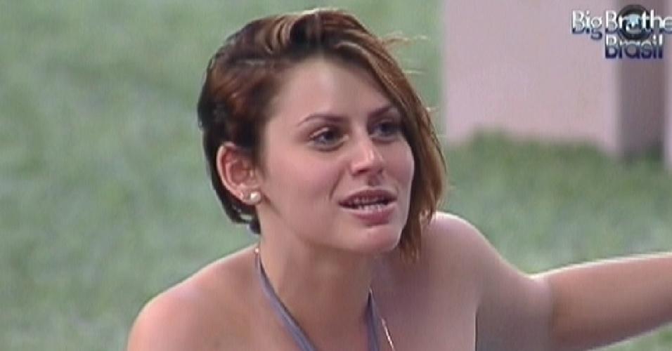 Mayara foi eliminada no terceiro paredão do programa com 74% dos votos (12/1/12)