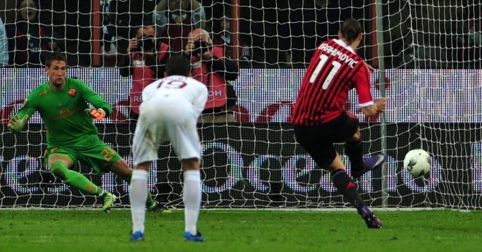 O artilheiro do Campeonato Italiano, Ibrahimovic marca seu oitavo gol de penalti na competição