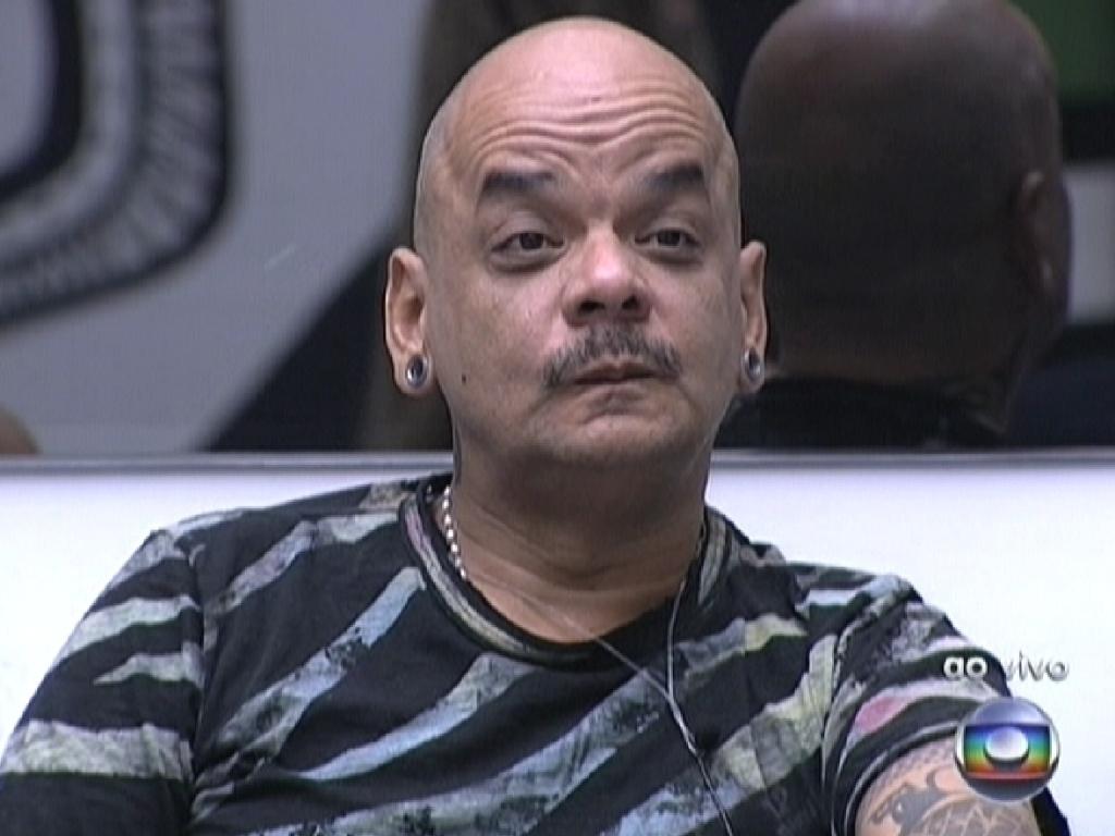 O mineiro João Carvalho disputou cinco paredões no programa (1/3/12)