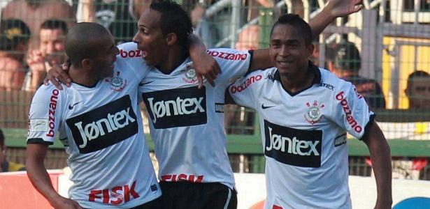Emerson Sheik, Liedson e Jorge Henrique enfrentam má fase no ataque do Corinthians