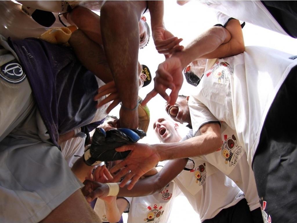 Jogadores do Corinthians se concentram antes da final do Campeonato Brasleiro contra o Santos