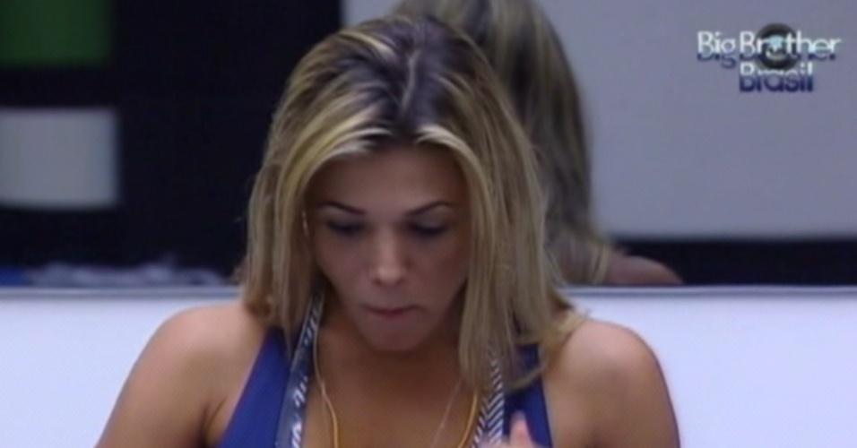 Fabiana recebe, mais uma vez, o colar do líder (26/3/12)