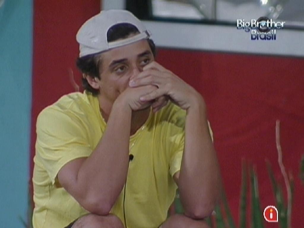 Fael diz para Jonas que está concentrado na prova do líder desta noite (26/3/12)