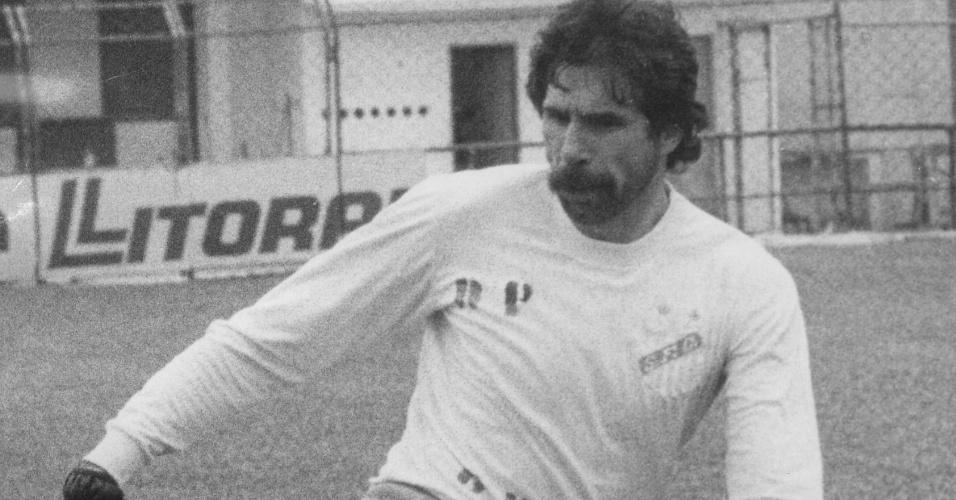 Goleiro Rodolfo Rodriguez participa de treinamento do Santos (Arquivo - 27/01/1984)