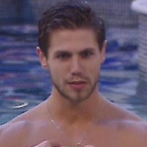 """Jonas diz para Fael que """"quer uma parceira"""" quando deixar o confinamento (26/3/12)"""