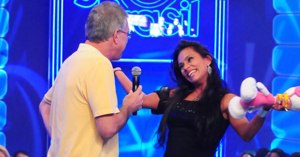 Kelly fala com Pedro Bial após sua eliminação (25/3/12)