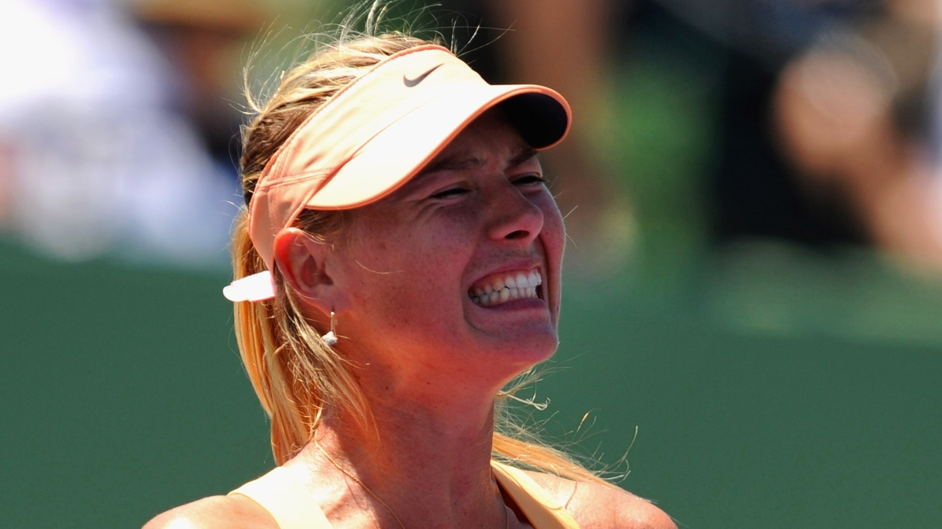 Maria Sharapova comemora após vencer Ekaterina Makarova por 2 sets a 0 e se garantir nas quartas em Miami