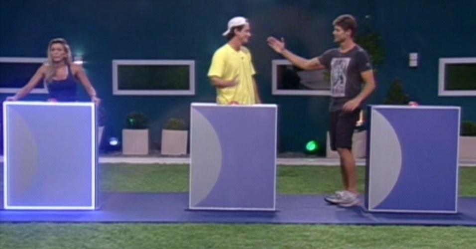 Os brothers Fael e Jonas se enfrentam no último paredão do programa (26/3/12)