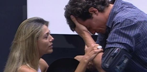 Fael chora após voltar do paredão e é consolado por Fabiana (27/3/12)