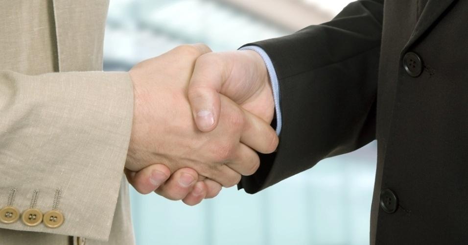 mídia indoor, política, economia, cotidiano, internacional, acordo, negócio, aperto de mão, compra, venda, cliente, cumprimento, trabalho, reunião, sócio, parceria, confiança, assinatura, contrato, comércio