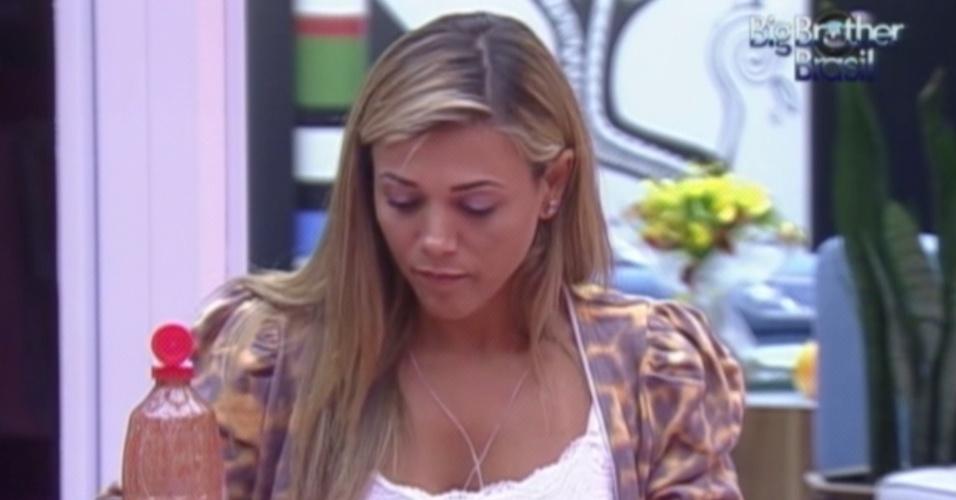 Fabiana janta e sonha com a final (28/3/12)