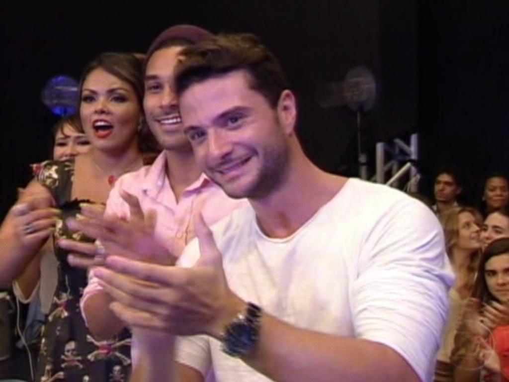 Brothers cantam parabéns para o apresentador Pedro Bial (29/3/12)