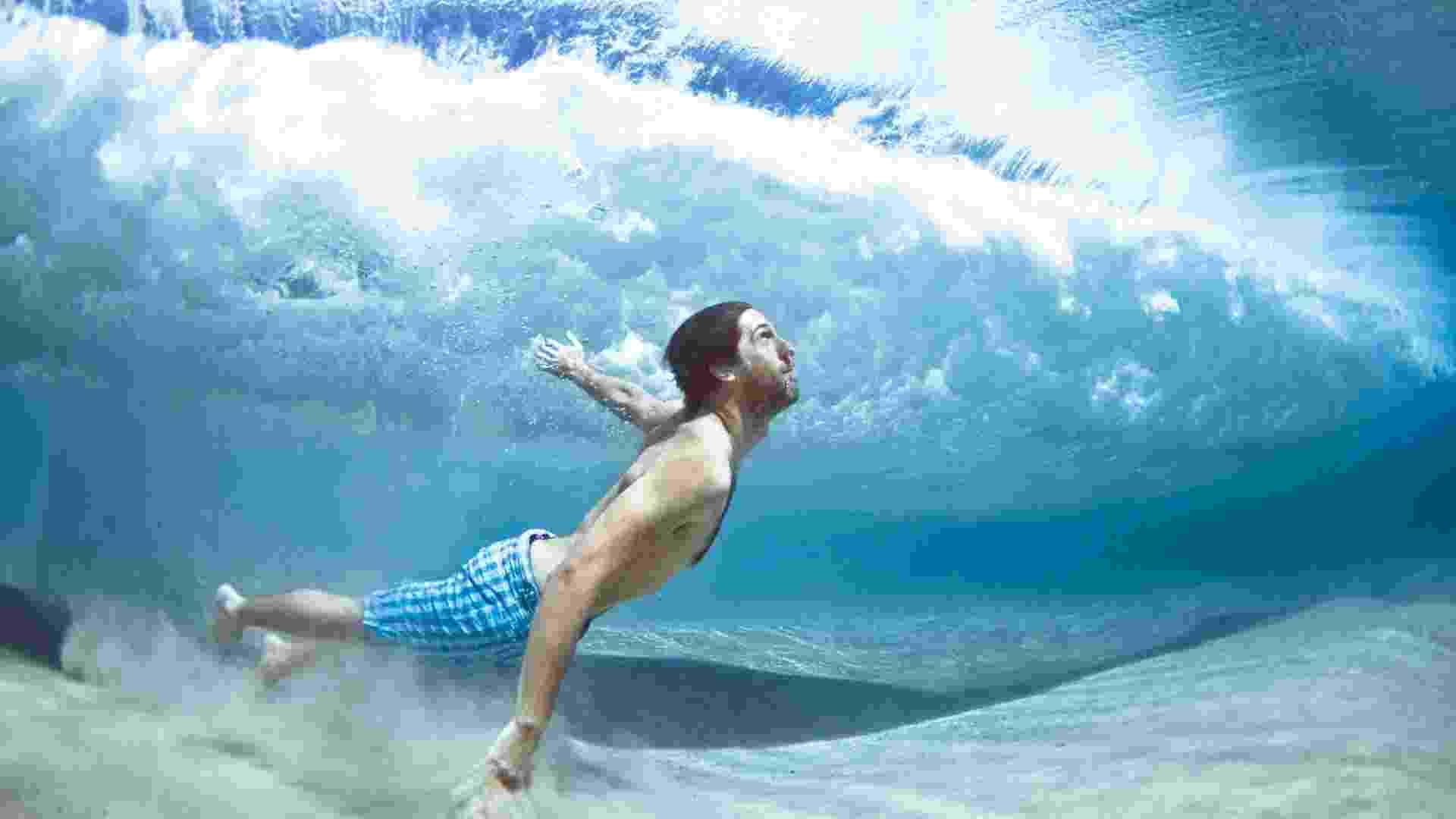 O fotógrafo Mark Tipple vem divulgando imagens debaixo d'água desde 2009, mas algumas das novas fotos da série foram feitas este ano - Mark Tipple