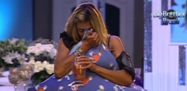 """Fabiana chora durante a última festa do """"BBB12"""" (29/3/12)"""