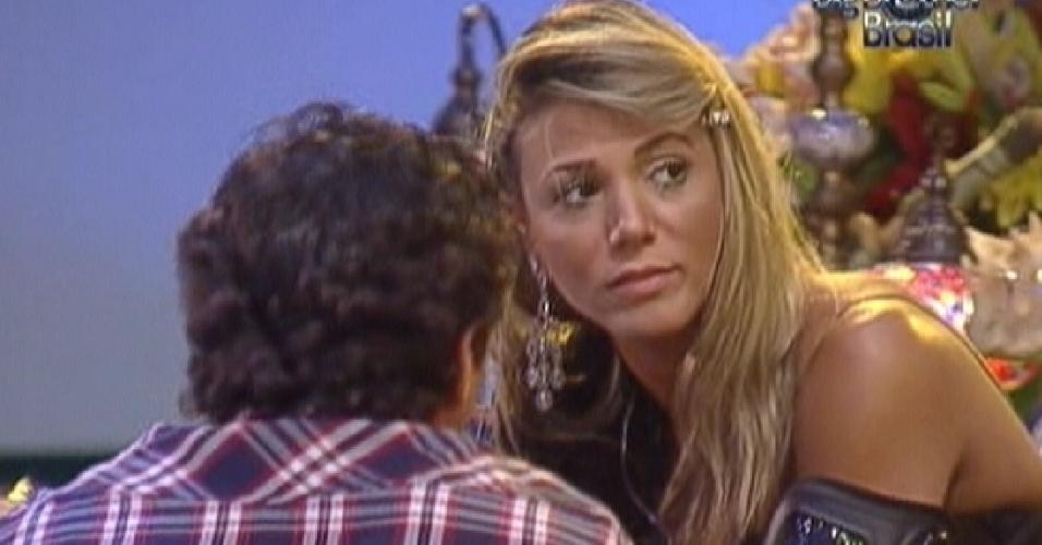 Fabiana desabafa com Fael e diz que está triste na reta final do jogo (29/3/12)