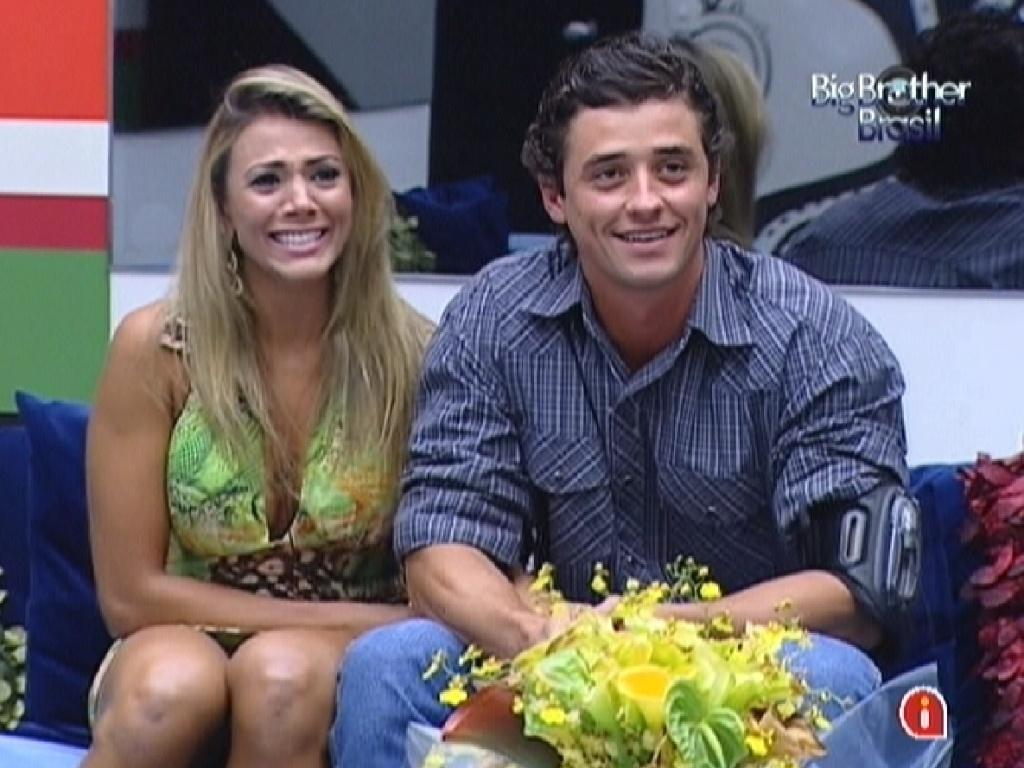 Finalistas, Fael e Fabiana assistem ao programa ao vivo esta noite (29/3/12)