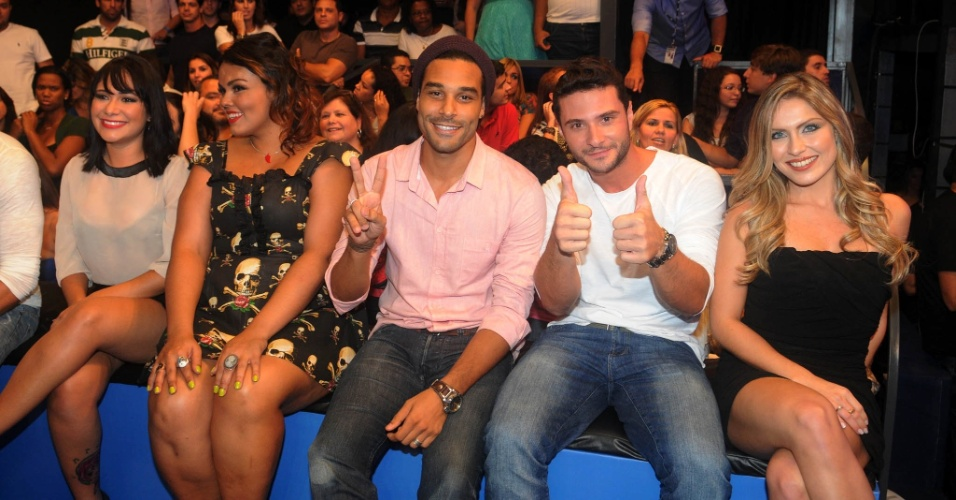 "Jakeline, Analice, Daniel, Ronaldo e Renata assistem a final do ""BBB12"" (29/3/12)"