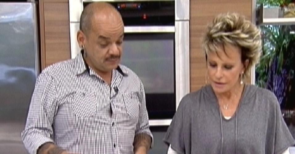João Carvalho ensina receita no