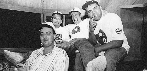 """José Américo, René, Oscar Pardini e Ivan de Oliveira, gravam o programa em """"Café com Bobagem"""" na rádio Transamérica, em foto de arquivo - FSP-Empregos-11.02.96"""