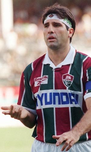 O ex-jogador e hoje técnico Renato Gaúcho com a camisa do Fluminense