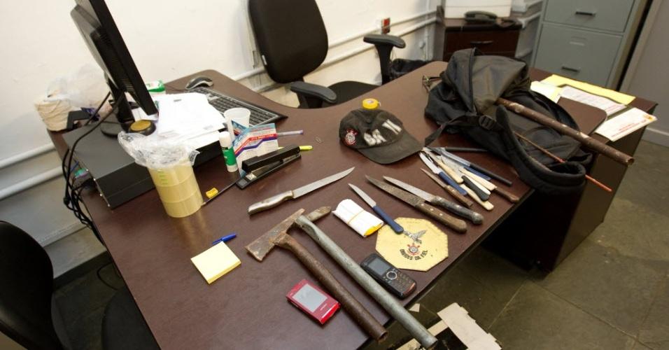 Polícia recolheu na sede da Gaviões da Fiel facas, martelos e barras de ferros