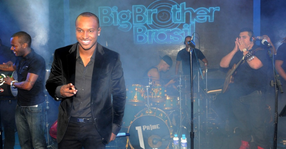 "Thiaguinho anima a festa na grande final do ""BBB12"" (29/3/12)"