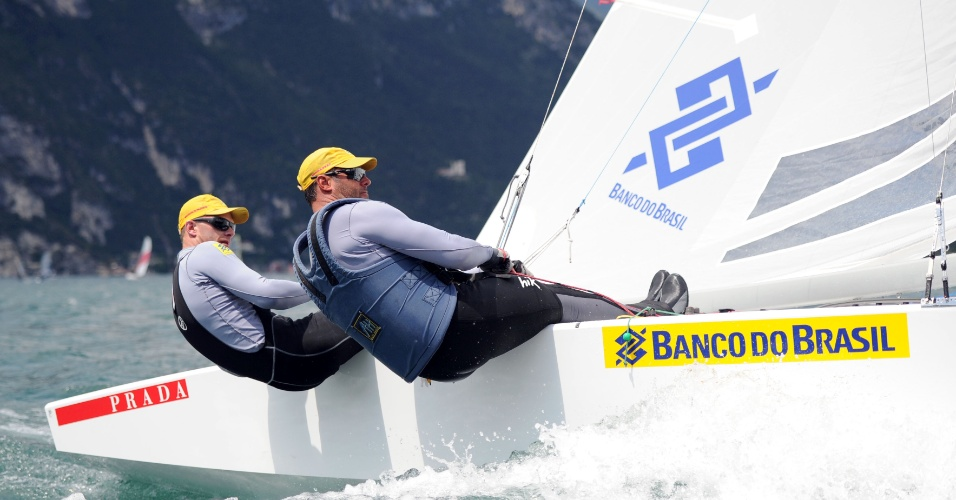 A dupla brasileira Robert Scheidt e Bruno Prada, que compete na classe Star