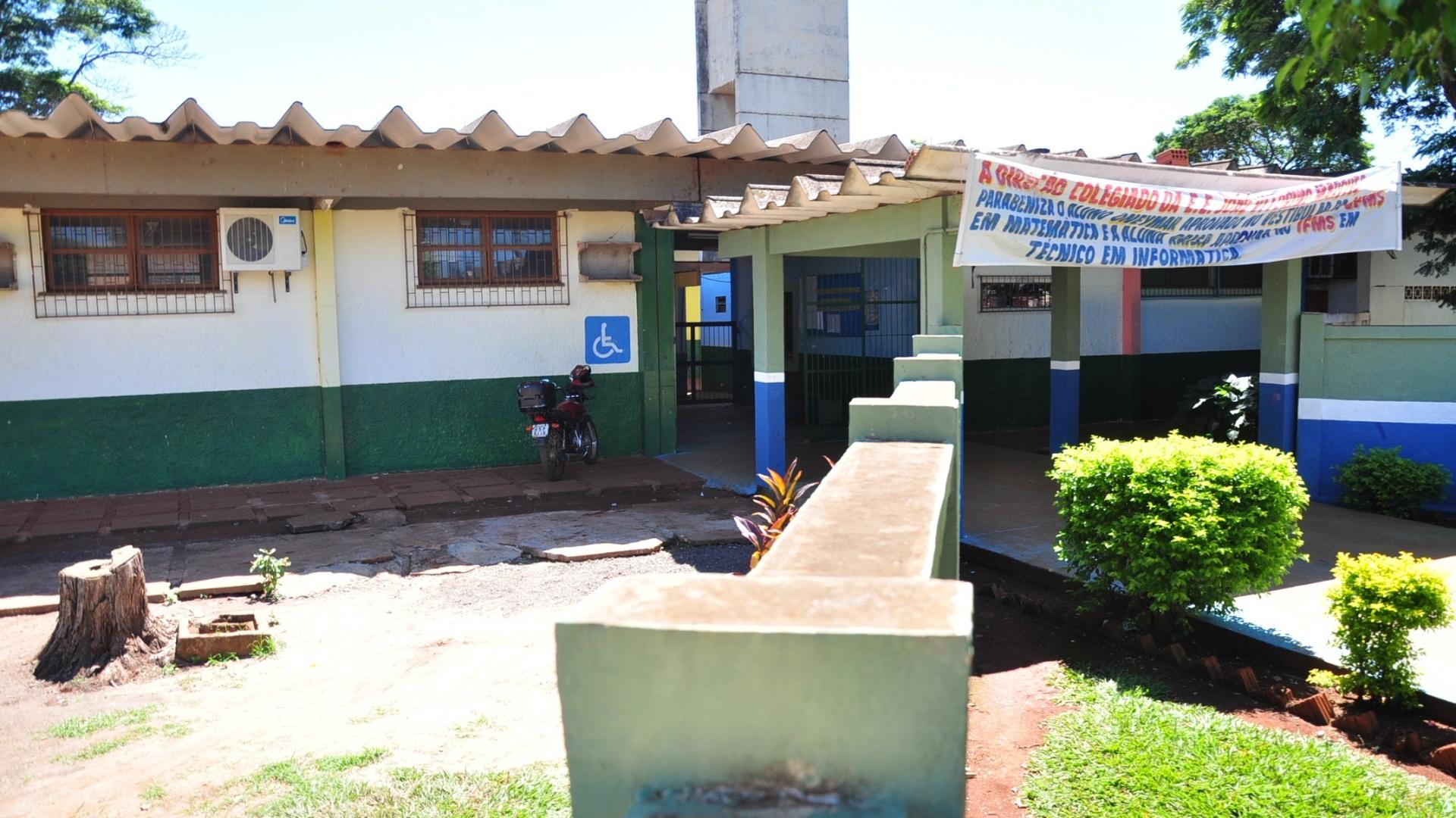 Escola Estadual João Vitorino Marques, onde Fael estudou até 2001 (30/3/12)