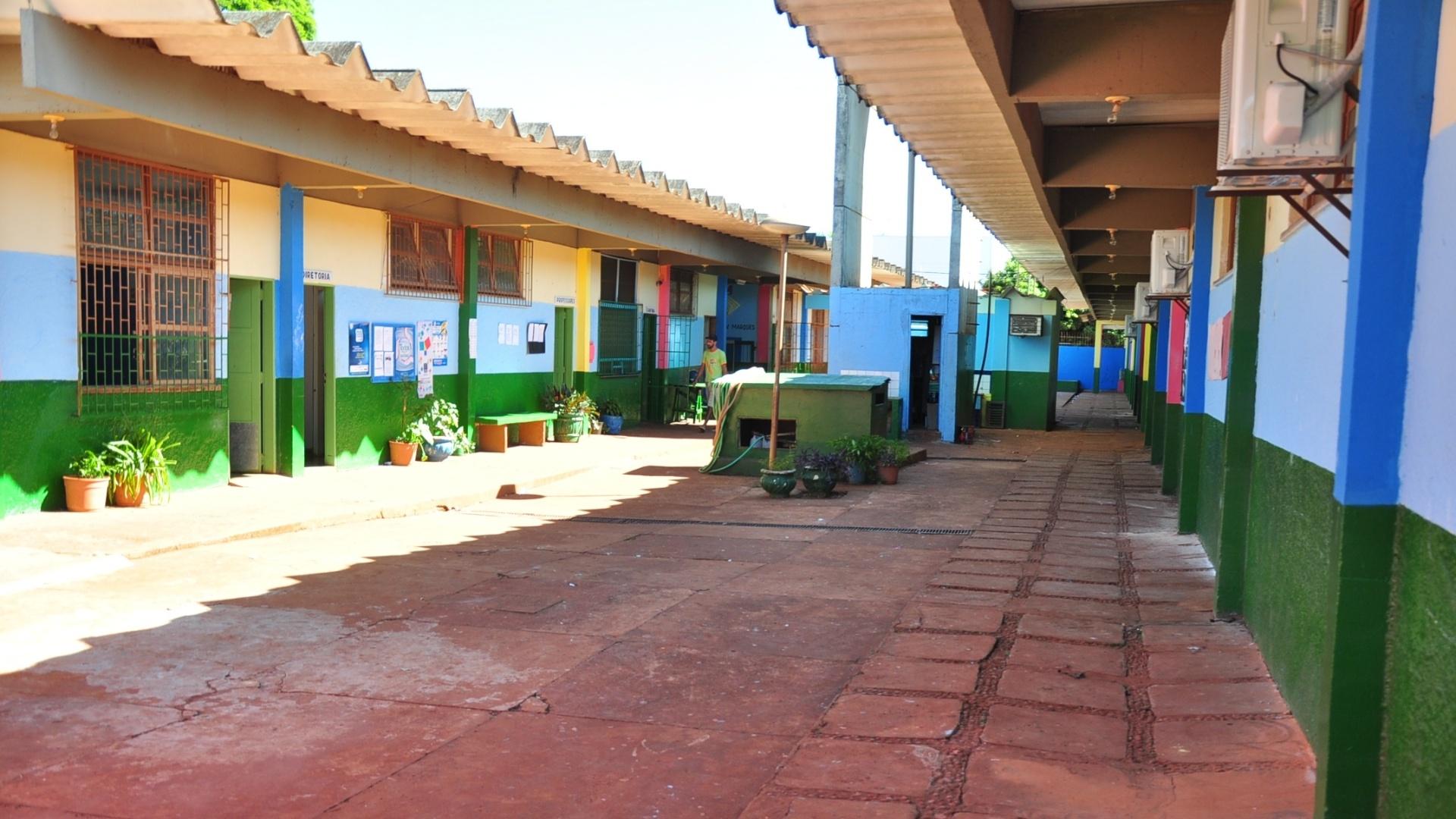 Imagem da Escola Estadual João Vitorino Marques, em Aral Moreira, onde Fael estudou (30/3/12)
