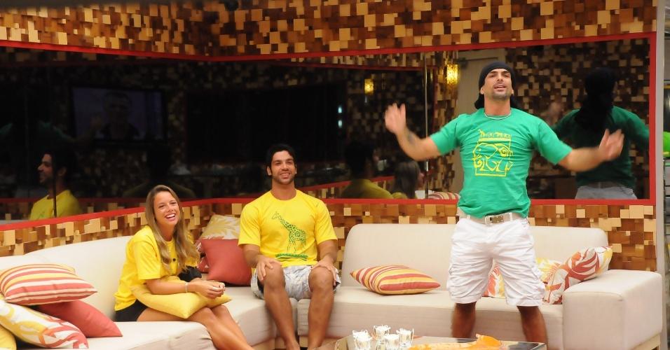 """Marcelo Dourado, lutador e personal trainer, venceu o """"BBB10"""" com 60% dos votos. O gaúcho, que levou o prêmio de R$ 1,5 milhão, já havia participado da 4ª edição do programa. Antes de chegar à final, ele passou por cinco paredões"""